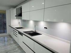 Mutfak Kitchen Backsplash, Kitchen Cabinets, Crea Design, Western Kitchen, Wall Cupboards, Galley Kitchens, Cabinet Design, Interior Design Living Room, Kitchen Decor