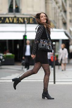 Constance pour Bain de Lumière- Shooting photo avenue Montaigne https://seance-photo.photosfashion.com/2016/08/19/shooting-photo-de-luxe/