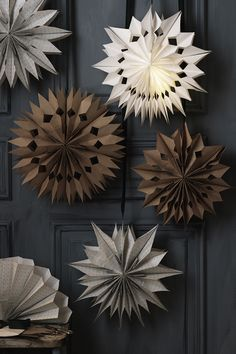 Learn how to make stunning stars for Christmas using paper bags. The paper stars are perfect decorations for Christmas or any party! Check out our website to learn how we made our Christmas stars and to find more DIY inspiration.