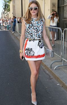 Break up contrasting patterns with a solid belt like Olivia Palermo.