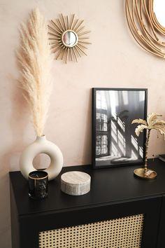 Master Bedroom Interior, Diy Bedroom Decor, Living Room Decor, Besta Hack, Kirkland Home Decor, House Color Schemes, Ikea Home, Home Decor Styles, Home Accessories
