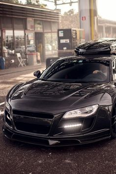 Mean Audi R8 Razor! Click on the pic & sign up today to carhoots for insanely awesome 'pintastic' car pics!