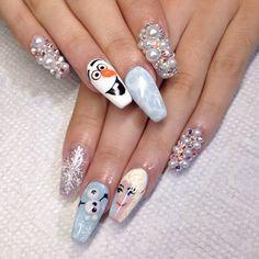 Frozen themed nails by @nailsbymztina on Instagram