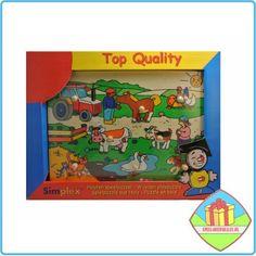 De peuter puzzel 'op het land' is een leuke, vrolijkgekleurde houten puzzel met houten noppen geschikt voor een kind vanaf 1 jaar. #peuterpuzzels #boederijpuzzels #houtenpuzzels #peuterspeelgoed #speelgoed