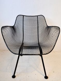 Russell Woodward Wire Chair - need 2 for the balcony -- in aqua! Design Furniture, Chair Design, Vintage Furniture, Cool Furniture, Modern Furniture, Garden Furniture, Wire Chair, Rockett St George, Mesh Chair