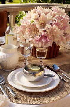 GlamBarbiE   Fresh, light and elegant tablesetting from Ralph Lauren Home