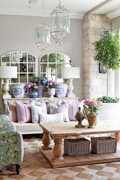 Romantický štýl neznamená iba kopu ružovej a čipiek: Tipy, ako si domov zmeniť na útulné hniezdočko