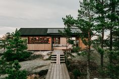 """Newly-completed summer cabin project in the Finnish Archipelago, called Project Ö, where """"Ö"""" means 'an island' in Swedish. We purchased the island, on the edge of the Archipelago National … Good House, Tiny House, Ideas De Cabina, Contemporary Cabin, Save For House, Summer Cabins, Wooden Cabins, Parc National, Design Within Reach"""