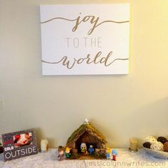 DIY Christmas Canvas Art Not an artist, but want some art for your walls? Try this easy peasy DIY Christmas Canvas Art craft. No skill needed, and the outcome is wall-worthy! Christmas Signs, Winter Christmas, Christmas Time, Christmas Decorations, Diy Christmas Art, Christmas Pillow, Simple Christmas, Winter Holidays, Canvas Crafts