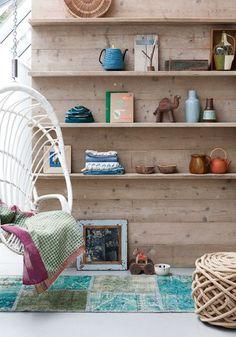 Stylingidee met de boekenplank: symmetrisch-stoer