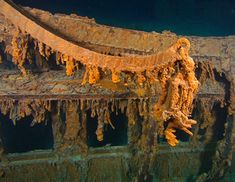 This photo August 2010 provided by RMS Titanic Inc., shows The last davit remaining on the wreck of RMS Titanic. These lifeboat cranes were used to hoist the ship's wooden lifeboats over the side and Rms Titanic, Titanic Today, Titanic Wreck, Titanic Photos, Titanic Sinking, Titanic Ship, Titanic History, Southampton, Bathtub Pictures