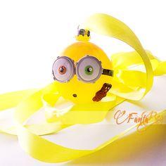 pallina - sfera per albero di natale Minion - Bob - colore giallo Minions, Pikachu, Bob, Character, Log Projects, Fimo, The Minions, Bob Cuts, Minions Love
