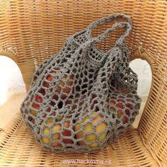 Návody na kabelky, tašky, síťovky Knitting Socks, Baby Knitting, Diy And Crafts, Arts And Crafts, Textiles, Loom Weaving, Straw Bag, Knit Crochet, Crochet Earrings