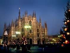 Duomo, Christmas time  Want you spent this holy time in Milan? www.airbnb.it/rooms/781246 From $89 per night