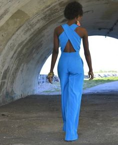Work that jumpsuit sista! Summer Outfits, Casual Outfits, Cute Outfits, Passion For Fashion, Love Fashion, Jumpsuit Elegante, Look Formal, Party Looks, Look Chic