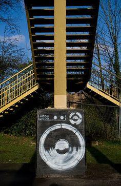 bridge column graffiti art uk - Google Search