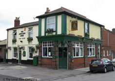 The Artillery Arms is a Victorian backstreet local in a Milton cul de sac. It once stood beside the abandoned Arundel Canal. Portsmouth Pubs, Best Craft Beers, Best Pubs, Old English, Getting Out, Hampshire, The Locals, Abandoned, Arms