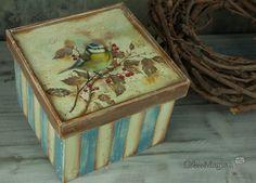 Decoupage box with shading ~ Κουτί ντεκουπάζ με παλαίωση, ενσωμάτωση και φωτοσκίαση