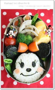 Sooooooooo Cute!!! MINNIE onigiri bento ( in Japanese, but maybe follow pictures?