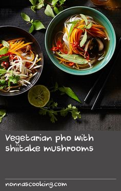 Vegetarian pho with shiitake mushrooms Fish Recipes With Dill, Dill Recipes, Meat Sauce Recipes, Soup Recipes, Best Mushroom Recipe, Best Chili Recipe, Mushroom Recipes, Vegetarian Pho, Vegetarian Recipes