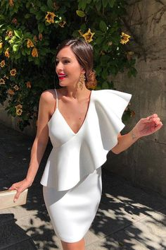 One-Shoulder Asymmetrical Ruffle Party Dress. White Asymmetrical Ruffle Sleeve Tied Neck Dress One Shoulder Sexy Party Dresses.Shop online for new season styles of One Shoulder Dresses at THE IULOVER. Mint Bridesmaid Dresses, Prom Dresses 2017, Prom Party Dresses, Evening Dresses, Pageant Dresses, Dress Party, Simple Prom Dress, White V Necks, Dress First