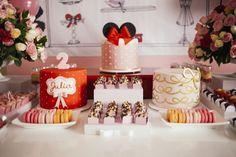 Festa da Loja de Laços da Minnie - Produção: Minha Filha Vai Casar | Foto: Charlotte Valade    #mfvc #producaomfvc #2anosdajulia #lojadelacos #festainfantil #minnie #bebe #baby #kids #minniesbowtique #bowtique #lacos  http://www.minhafilhavaicasar.com/loja-de-lacos-da-minnie-2-anos-da-julia-mesa-bolo-doces/