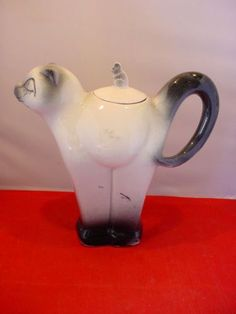 Vintage Art Deco Cat + Mouse Tea Pot Carlton Ware Shape but Unusual Colourway