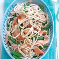 Poached salmon and noodle salad with sesame dressing - Healthy Food Guide Healthy Meats, Healthy Salads, Healthy Eating, Healthy Food, Snack Recipes, Dinner Recipes, Healthy Recipes, Snacks