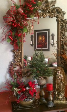 Brilliant Christmas Garland Decorating Ideas 217 - Home to Z Diy Christmas Fireplace, Diy Christmas Garland, Silver Christmas Decorations, Christmas Mantels, Noel Christmas, Christmas Centerpieces, Rustic Christmas, Christmas Crafts, Christmas Vignette