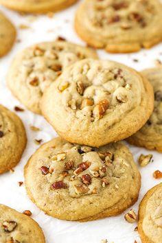 Butter Pecan Cookies – soft, chewy and delicious! Butter Pecan Cookies – soft, chewy and delicious! Maple Cookies, Butter Pecan Cookies, Yummy Cookies, Cookies Soft, Praline Cookies Recipe, Butter Pecan Cheesecake Recipe, Pecan Sandies Cookies, Ginger Cookies, Bar Cookies