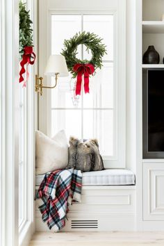 My Home Decorated for Christmas. - Rach Parcell : My Home Decorated for Christmas. - Pink Peonies by Rach Parcell Noel Christmas, White Christmas, Christmas Ideas, Christmas Bedroom, Tartan Christmas, Preppy Christmas, Christmas Nativity, Christmas Music, Christmas Printables