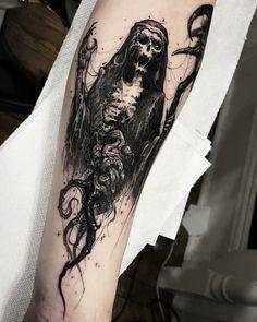 Evil tattoo by Brandon Herrera tattoo mann vorlagen skull Feather Tattoos, Skull Tattoos, Body Art Tattoos, New Tattoos, Sleeve Tattoos, Mens Forearm Tattoos, Evil Skull Tattoo, Occult Tattoo, Dark Art Tattoo