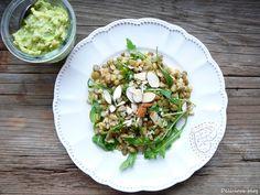 Čočkovo-kroupový salát s avokádovým dresinkem