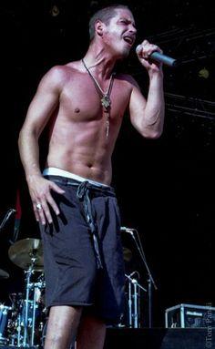 Chris Cornell Music, Feeling Minnesota, Smiling Man, Beautiful Voice, Great Bands, Gorgeous Men, Grunge, My Love, Chester Bennington