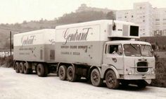 Fiat. Koeltransport. Automobile, Benne, Old Lorries, Semi Trailer, Road Train, Volvo Trucks, Transporter, Vintage Trucks, Car Humor