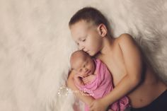 Newborn photography by Beverly Ruso Photography, newborn, baby, baby girl, siblings, big brother, brothers, photography, brother love, pregnancy, maternity,