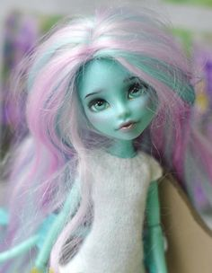 OOAK Monster High Lorna McNessie by AnnaShrem on Etsy