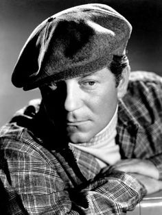 Portrait of Jean Gabin, Movies Photo - 46 x 61 cm Hollywood Fashion, Classic Hollywood, Hollywood Style, 1940s Movies, Jean Gabin, 1940s Photos, Old Faces, Online Posters, Movie Poster Art