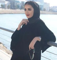 World Ethnic & Cultural Beauties Hijab Style Dress, Modest Fashion Hijab, Modesty Fashion, Abaya Fashion, Muslim Fashion, Beautiful Casual Dresses, Beautiful Hijab, Mode Abaya, Mode Hijab