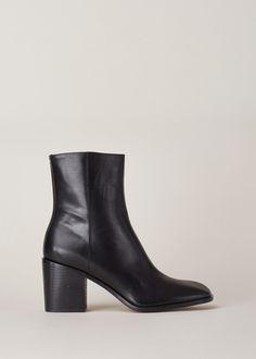 Maison Margiela Waxed Pull On Boot (Black)