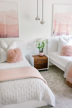 Twin girl bedrooms - From Far Away Dream to Reality Kailee Wright's Custom Home Rue Twin Girl Bedrooms, Sister Bedroom, Shared Girls Rooms, Twin Bedroom Ideas, Teen Shared Bedroom, Simple Girls Bedroom, Modern Girls Rooms, Bedroom For Twins, Kids Rooms