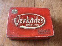 oud blik van verkade's biscuits