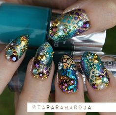 Not actual porn, just nails! 💅🏻💅🏼💅🏽💅🏾💅🏿None of these nails are mine unless stated. I just make gifs & gif tutorials, but all posts have the original nail artist. Painted Nail Art, Hand Painted, Mermaid Nail Art, Glam Nails, Nail Artist, Summer Nails, Product Launch, Sparkle, Glitter