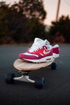 Good matches with Jeans,Skirt,or Short,can it be your lover this summer? #2014airmaxstores #nikeshoes
