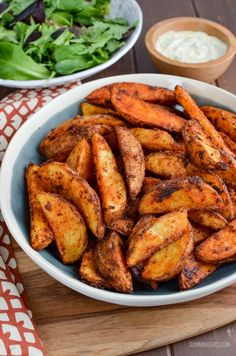 Slimming Eats - Weight Watchers and Slimming World Recipes Syn Free Spicy Potato Wedges Authentic Mexican Recipes, Mexican Food Recipes, Spicy Potato Wedges, Slimming World Fakeaway, Mexican Potatoes, Green Vegetarian, Slimming World Recipes Syn Free, Slimming Eats, Fries In The Oven
