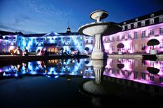 Das Schloss Karlsruhe erleuchtet in verschiedenen Farben #ka300 The Karlsruhe Palace lighted in different colours #ka300