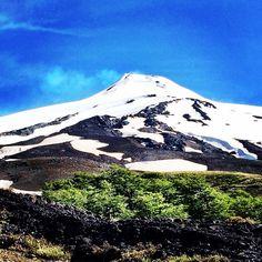 Still Smoking - Villarica, Pucon, Chile Mount Rainier, Chile, Smoking, Mountains, Nature, Travel, Naturaleza, Viajes, Destinations