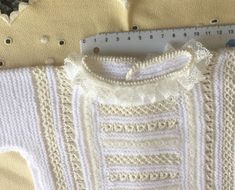 Blog Abuela Encarna: agosto 2019 Heirloom Sewing, Crochet Blouse, Beautiful Crochet, Bee, Pullover, Knitting, Pattern, Sweaters, Fashion
