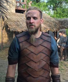 Young Ragnar    The Last Kingdom Vikings Halloween, Ancient English, Vikings Show, Viking Armor, The White Princess, Viking Costume, Armadura Medieval, The Last Kingdom, Last Knights
