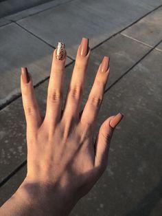 34 couleurs de vernis à ongles tendance au printemps 2019